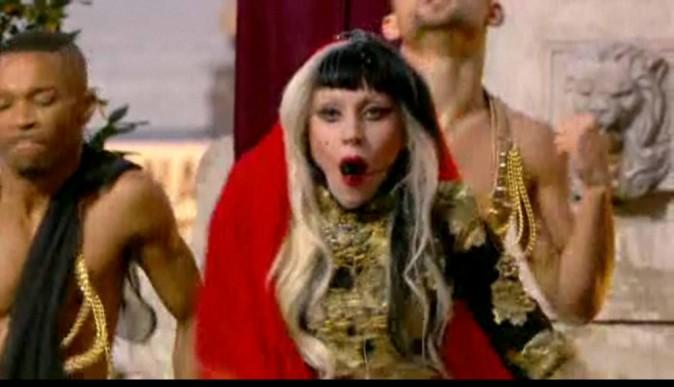 Lady Gaga a mis le feu sur le plateau du Grand Journal