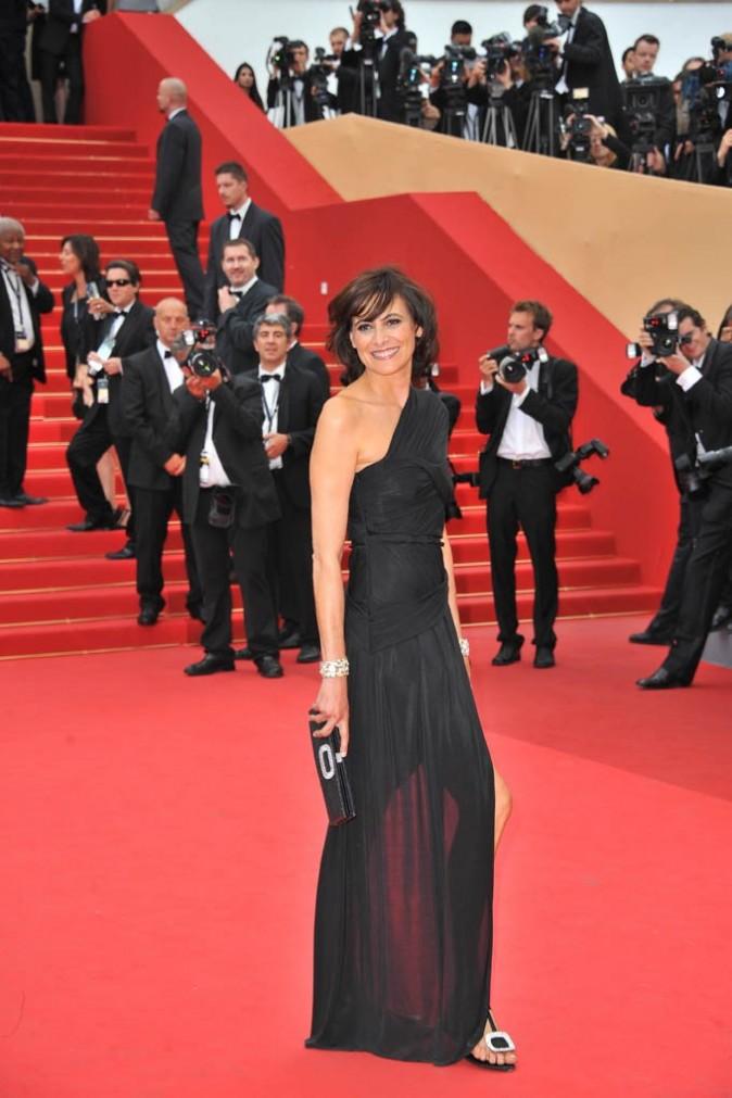 Inès de la Fressange sur le tapis rouge de la montée des marches du Palais des Festivals à Cannes, le 11 mai 2011.