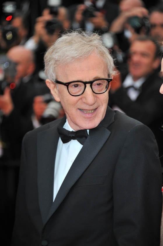 Woody Allen lors de la montée des marches du festival de Cannes, pour le film Midnight in Paris, le 11 mai 2011.