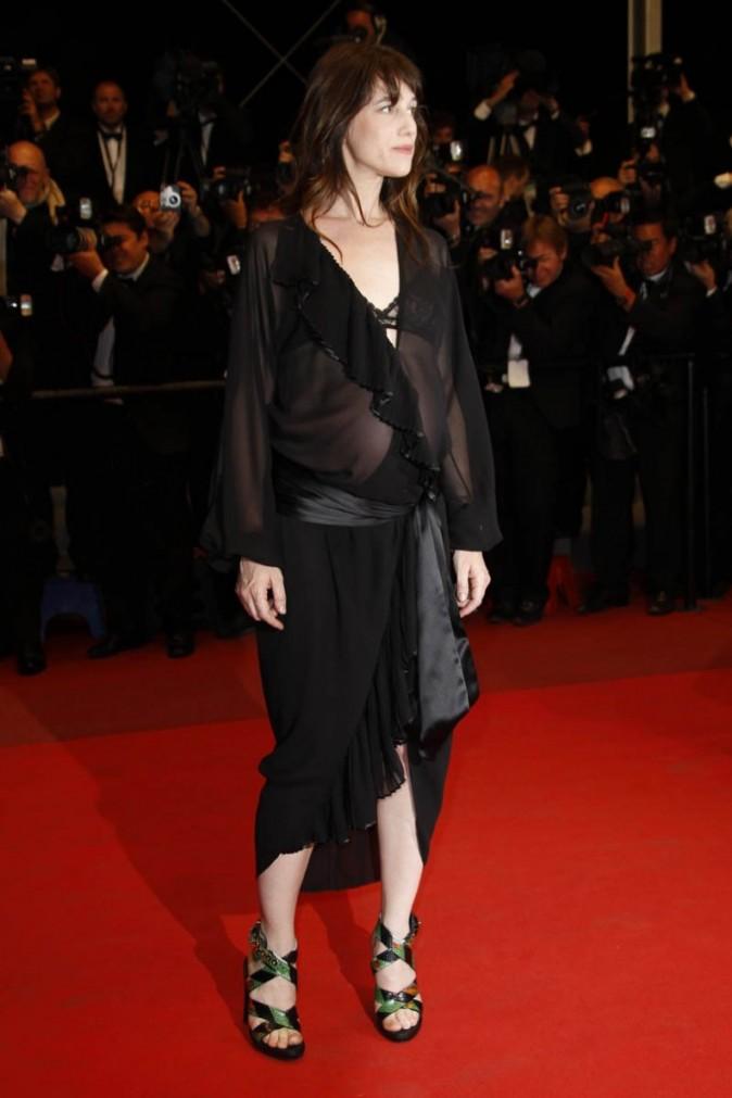Charlotte Gainsbourg pour la montée des marches de Melancholia
