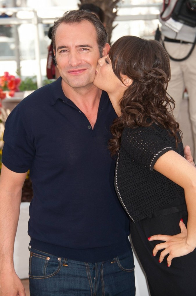 Photos cannes 2011 jean dujardin et b r nice b jo for La copine de jean dujardin