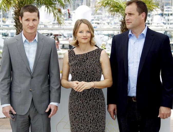 Jodie entourée de Kyle Killen et de Keith Redmon