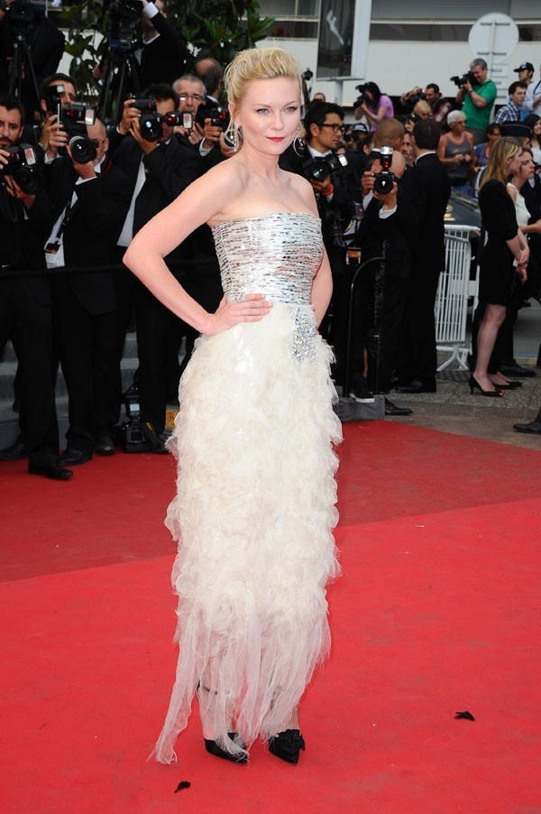 Superbe en robe Chanel, comme d'habitude !