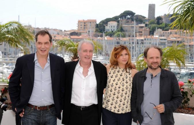 Samuel Labarthe (alais Dominique de Villepin) avec Bernard Le Coq (Jacques Chirac) et le reste du casting