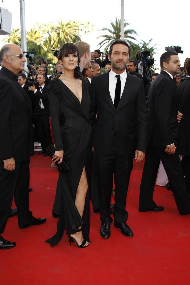 Gilles et Mélanie sérieux quelques instants pour immortaliser cette montée des marches.