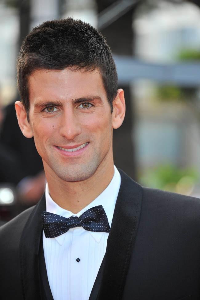 Un sportif élégant et bien dans son époque...Novak impeccable à Cannes!
