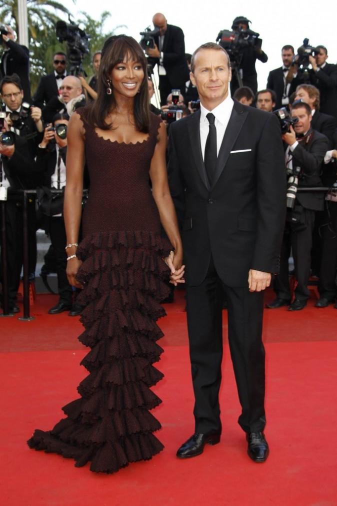 Naomi Campbell et son amoureux, Vladimir Doronin, durant la montée du film The Beaver, lors du 64e Festival de Cannes, le 17 mai 2011.