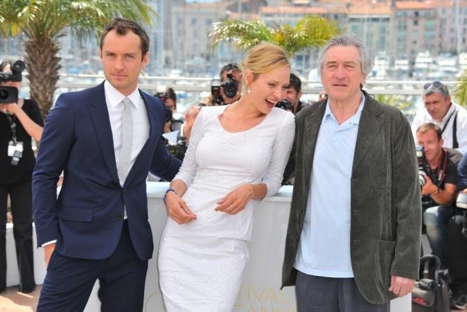 Au milieu de Jude Law et Robert de Niro, la belle Uma Thurman n'a que l'embarras du choix. Le jeune premier ou la figure paternelle?