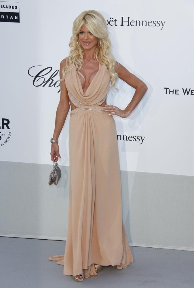Cannes 2011 : Gala de l'AmfAR : Victoria Silvstedt et ses ballons étaient de sortie