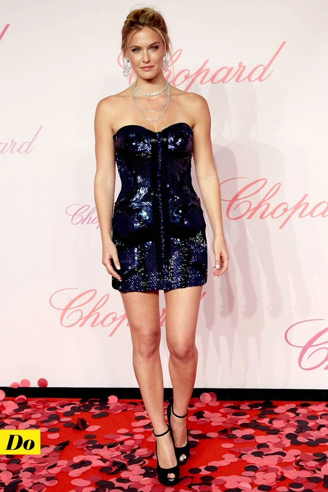 Festival de Cannes 2011 : la robe bustier brillante de Bar Refaeli