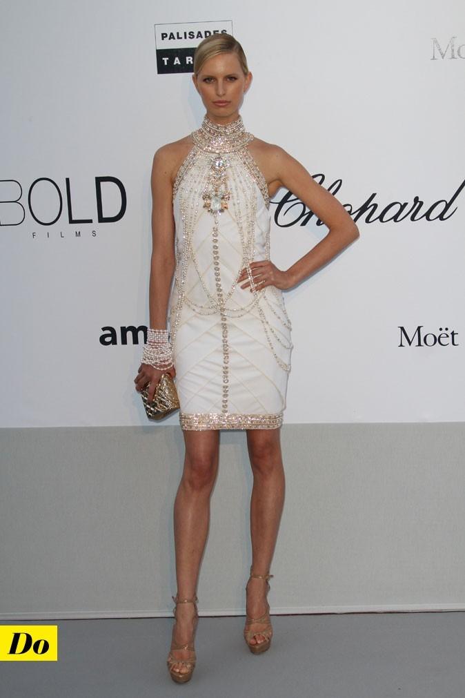 Festival de Cannes 2011 : la robe courte Chanel de Karolina Kurkova