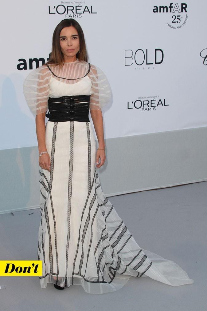 Festival de Cannes 2011 : la robe longue manches boules d'Elodie Bouchez