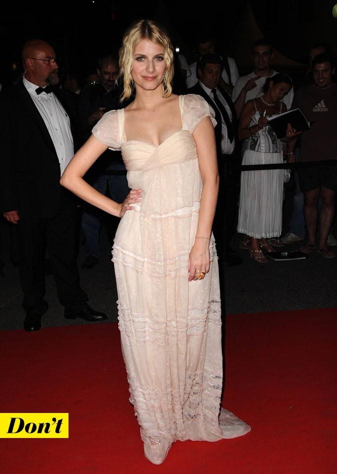 Festival de Cannes 2011 : la robe longue nude de Mélanie Laurent