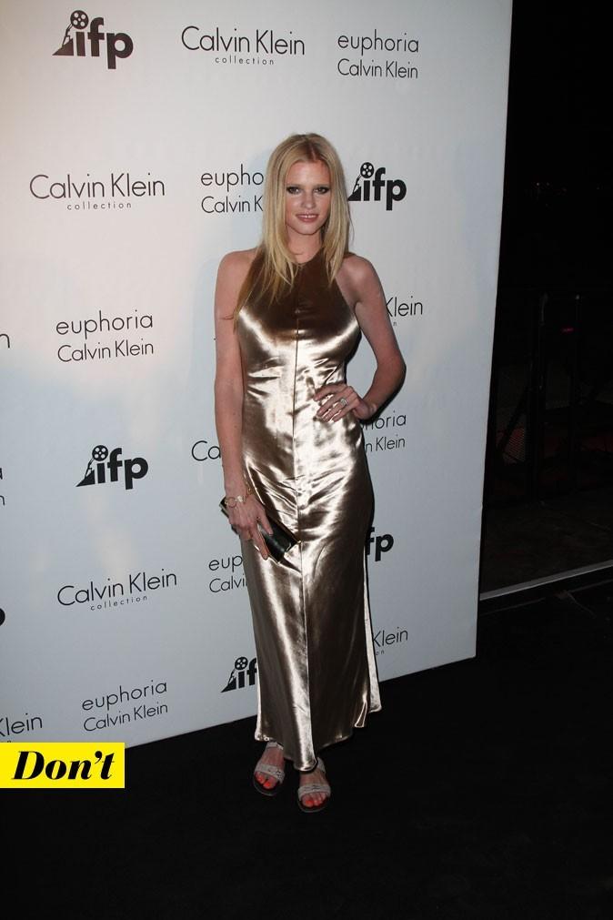 Festival de Cannes 2011 : le look satiné de Lara Stone