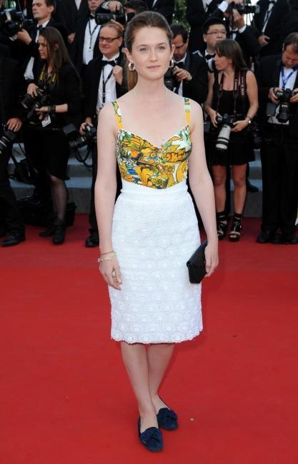 Bonnie Wright en Docle & Gabbana (mercredi 23 mai)