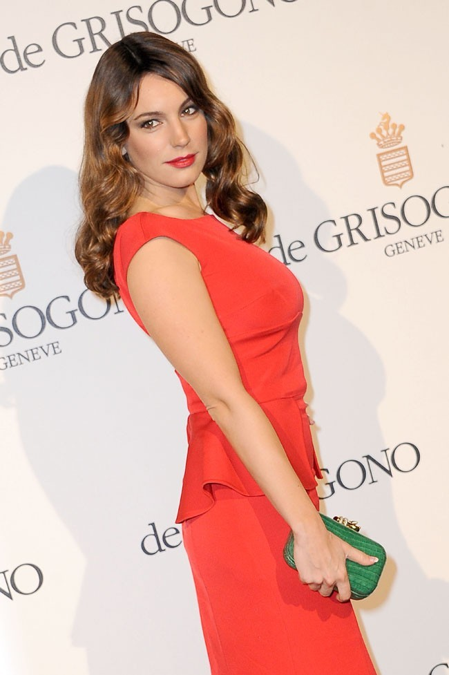 Kelly Brook en mode sexy chic !