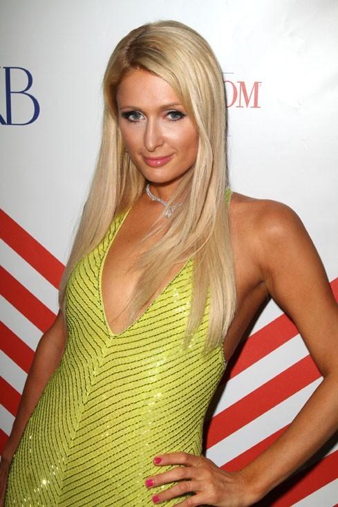 Paris Hilton au VIP Room le 20 mai 2012