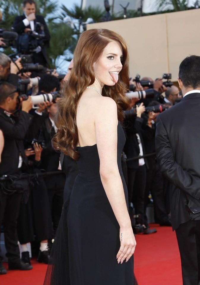 Lana Del Rey nous tire la langue !