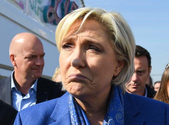 Public  Bad  Buzz   Marine Le Pen Fait Scandale Sur La