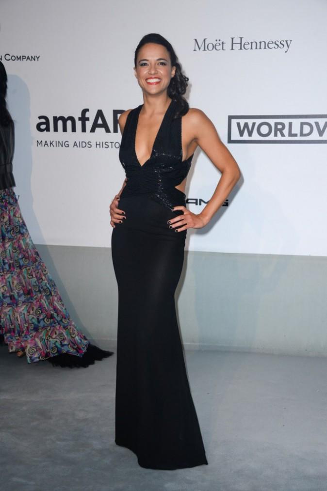 amfAR Gala : Michelle Rodriguez : souriante � souhait pour la bonne cause, elle sait attirer tous les regards !