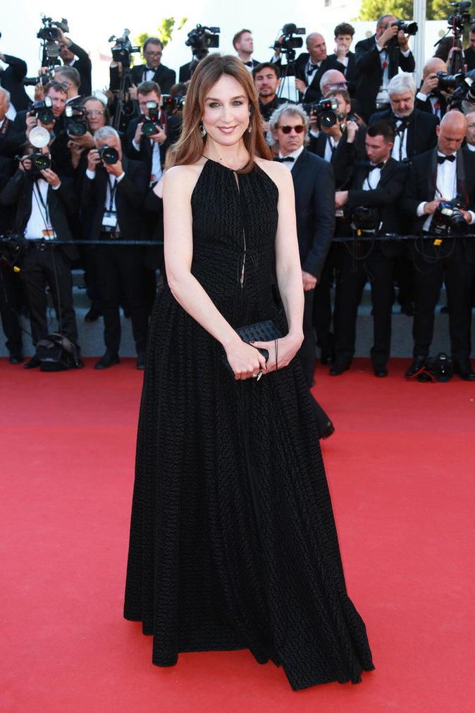 Elsa Zylberstein porte des bijoux De Grisogono - Cannes, le 17 mai 2017