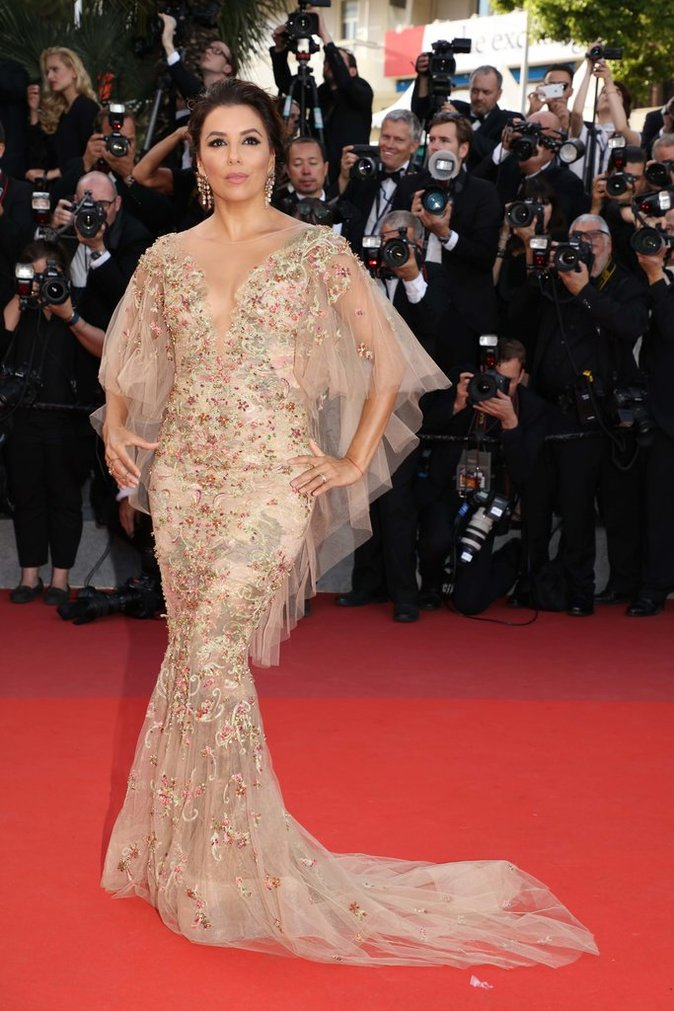 Eva Longoria en robe Marchesa - Cannes, le 22 mai 2017