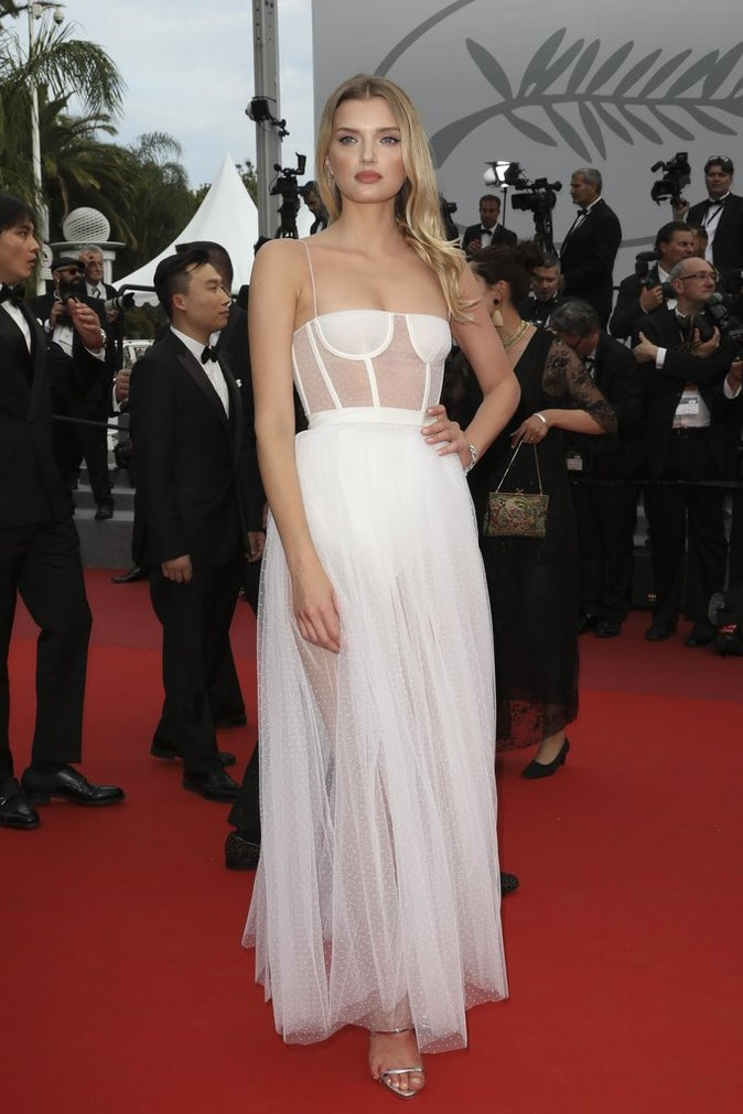 Lily Donaldson en robe Dior - Cannes, le 18 mai 2017