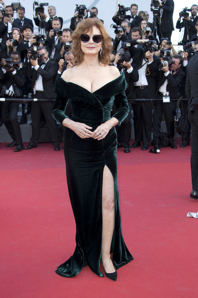 Susan Sarandon en robe Alberta Ferretti - Cannes, le 17 mai 2017