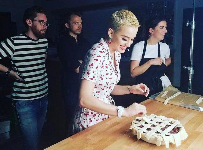 Food : Katy Perry vous présente sa recette de tourte aux cerises !