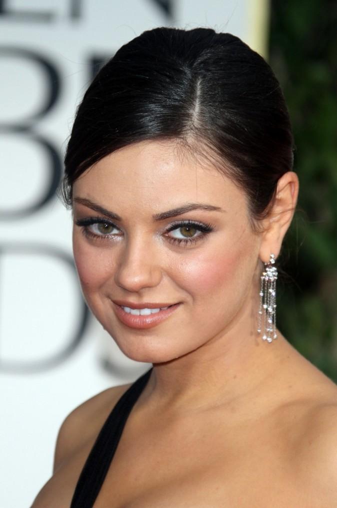 Mila Kunis lors de la cérémonie des Golden Globes 2012 à Beverly Hills, le 15 janvier 2012.