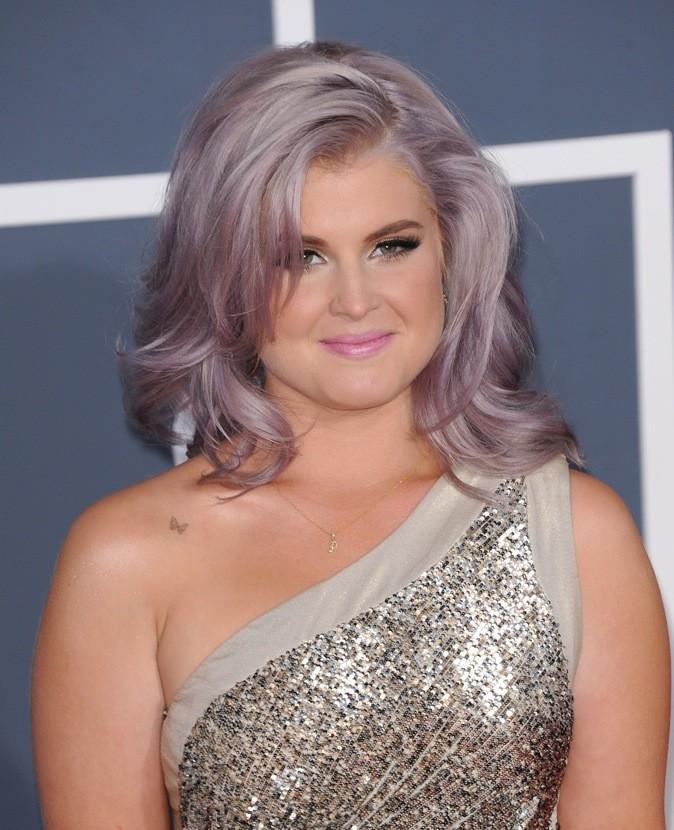 Kelly Osbourne : Elle n'a toujours pas changé sa coiffure et couleur qui lui font prendre 20 ans.