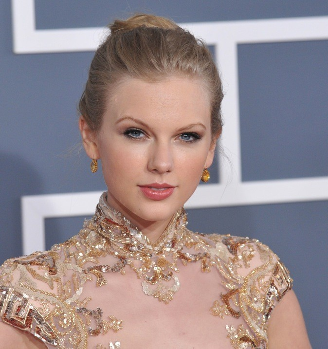 Taylor Swift : Un joli chignon simple mais très classe