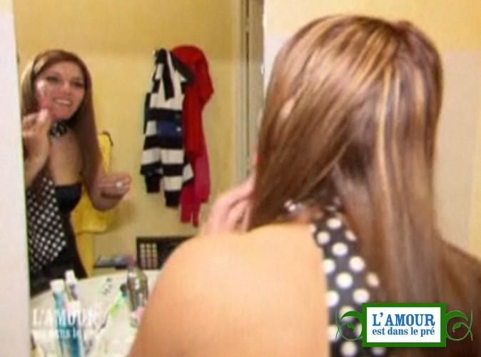 """Video : L'amour est dans le pré : quand Nina """"se refait un petit facial"""", c'est mythique !"""