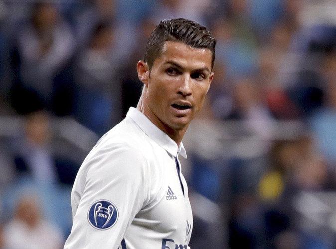 Cristiano Ronaldo p�te les plombs et insulte Zin�dine Zidane