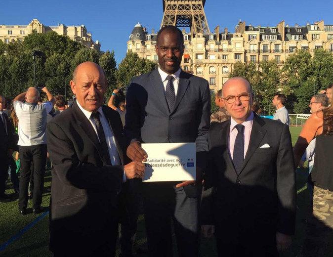 Pascal Gentil avec les ministres Jean-Yves Le Drian et Bernard Cazeneuve