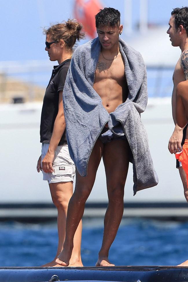 Neymar à Ibiza le 28 juillet 2015