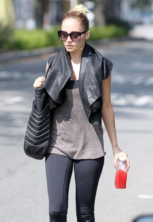 Nicole Richie a la sortie de sa salle de gym hier ...