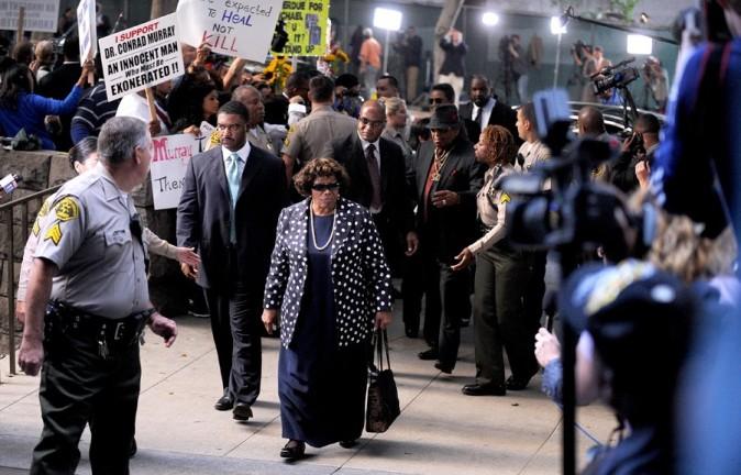 Katherine Jackson, la mère de Michael, aux portes du procès
