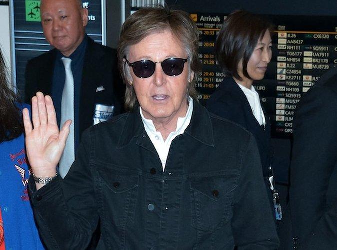 """Paul McCartney : la surprenante photo du rockeur dans """"Pirate des Caraïbes 5"""" !"""