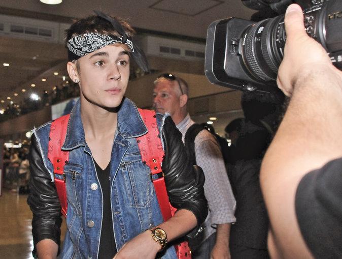 Justin Bieber à l'aéroport Narita International de Tokyo, juillet 2012