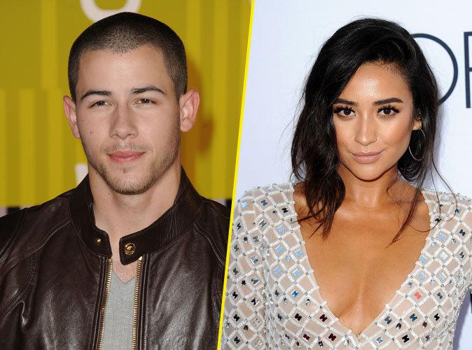 Nick Jonas raide dingue de Shay Mitchell !