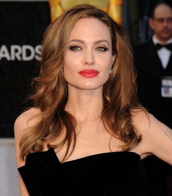 Angelina Jolie lors de la cérémonie des Oscars à Hollywood, le 26 février 2012.