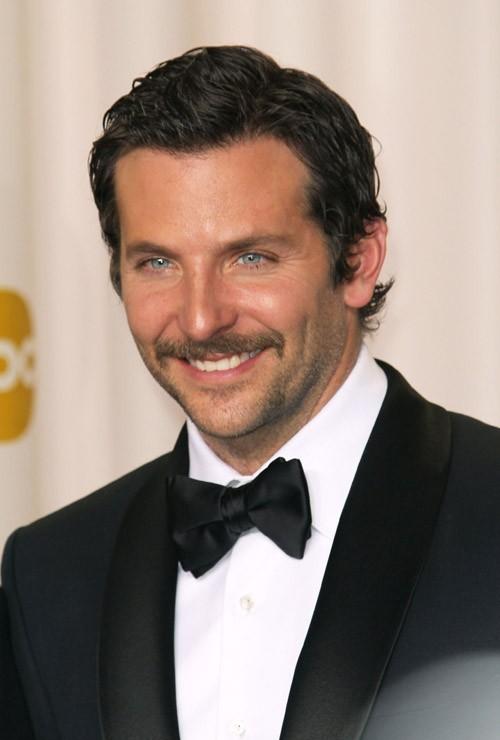 Bradley Cooper pendant la cérémonie des Oscars