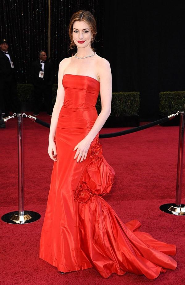 Elle avait de la concurrence avec Anne Hathaway