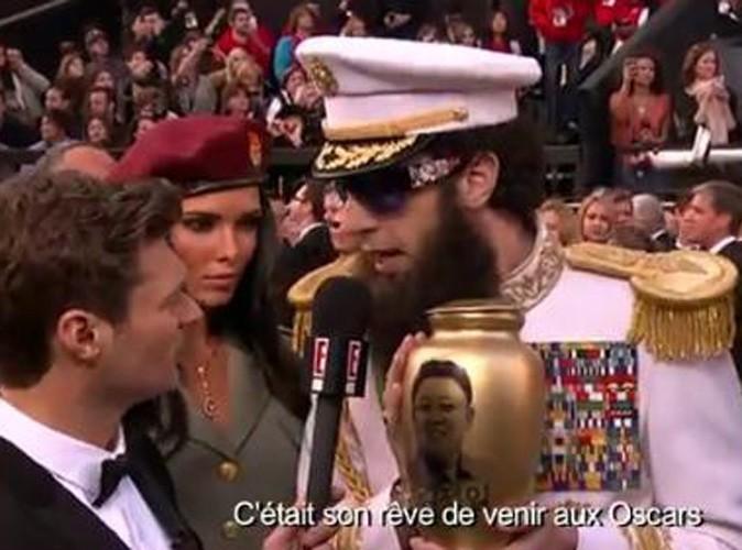 Vidéo : Oscars 2012 : Sacha Baron Cohen : traînée de poudre sur le tapis rouge ...