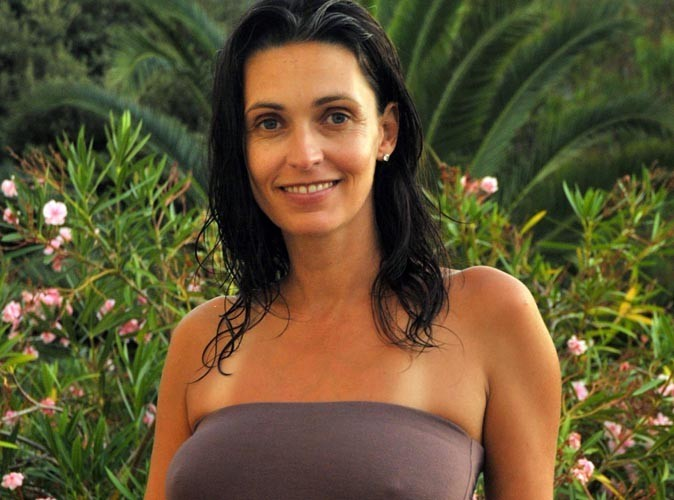 Adeline Blondieau : baignade et farniente en Corse !