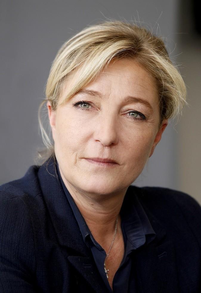Marine Le Pen porte bien le style nude !
