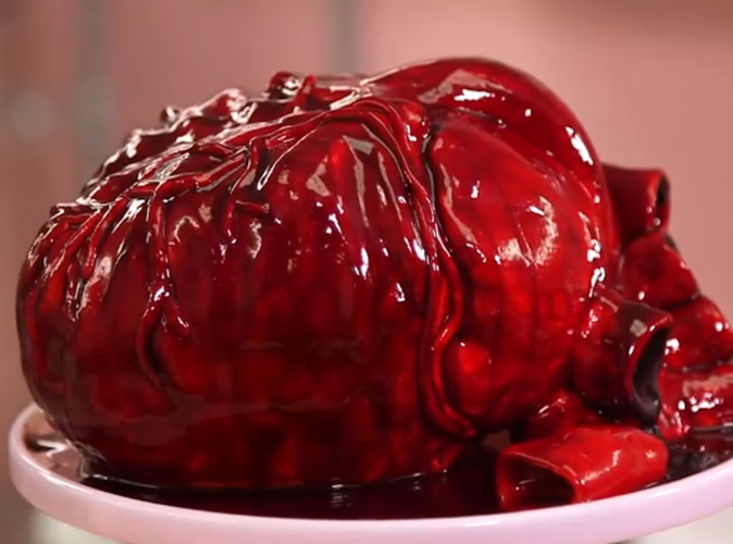 Public Buzz : Vidéo : Le gâteau de la Saint Valentin le plus horrible de tous les temps !