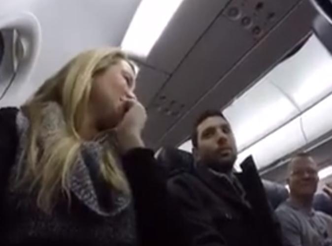 Public Buzz : Vidéo : Quand un pilote d'avion annonce à un passager qu'il va devenir papa !