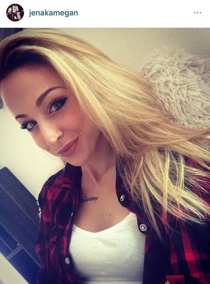 Public Buzz : Nouvelle Star : Mima Vocapella est de retour, elle dévoile enfin son vrai visage !